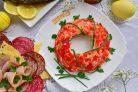 Красный салат Пасхальный венок