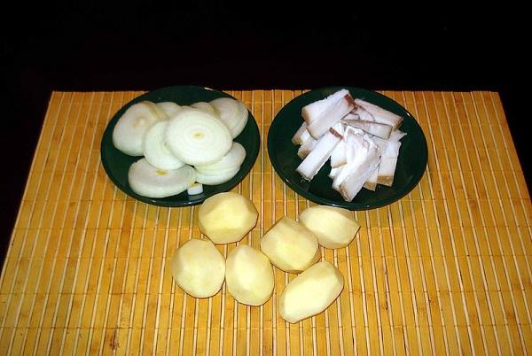 Картошка с салом в духовке в фольге - фото шаг 1