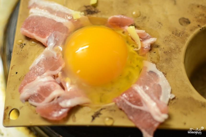 Яичница запеченная с беконом - фото шаг 5