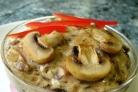 Свинина со свежими грибами
