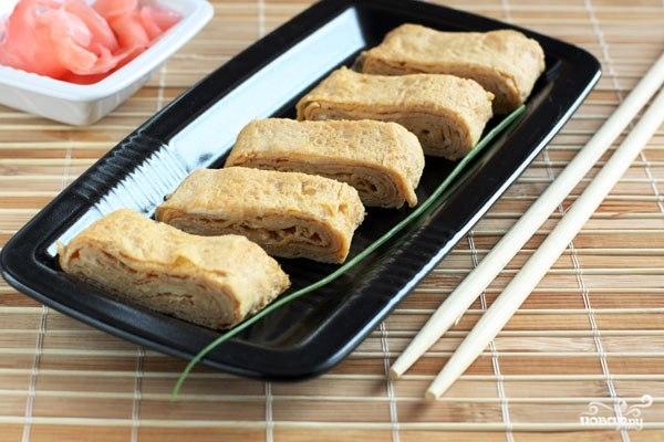 Японский омлет с соевым соусом