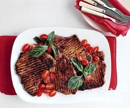 Рецепт Свинина на гриле с помидорами черри
