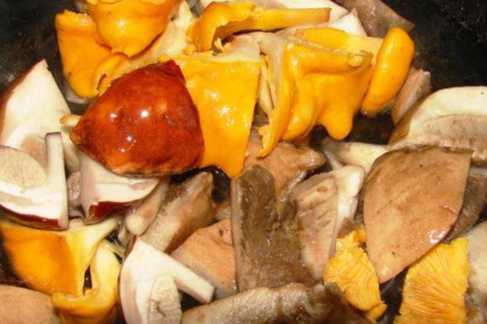 Грибная икра из свежих грибов - фото шаг 1