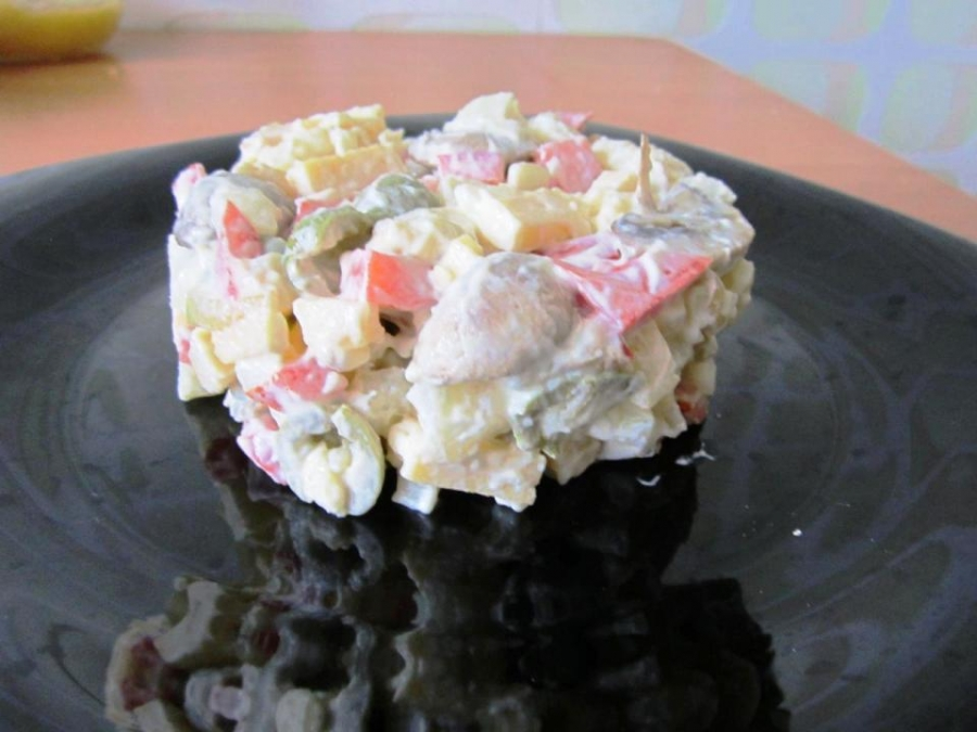 Салат с грибами и оливками - фото шаг 3