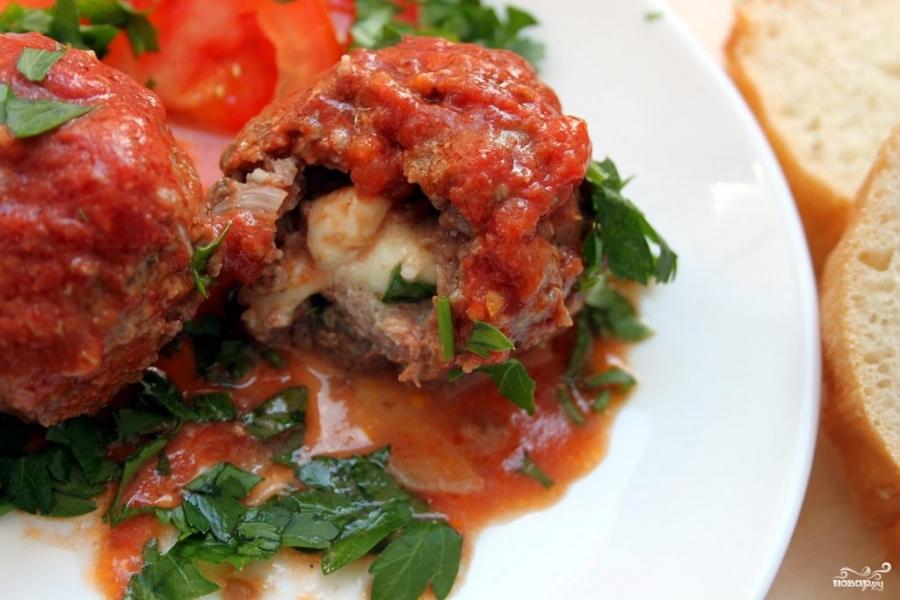 Мясные шарики с моцареллой в томатном соусе - фото шаг 7