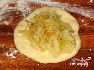 Пирожки с капустой в духовке - фото шаг 9