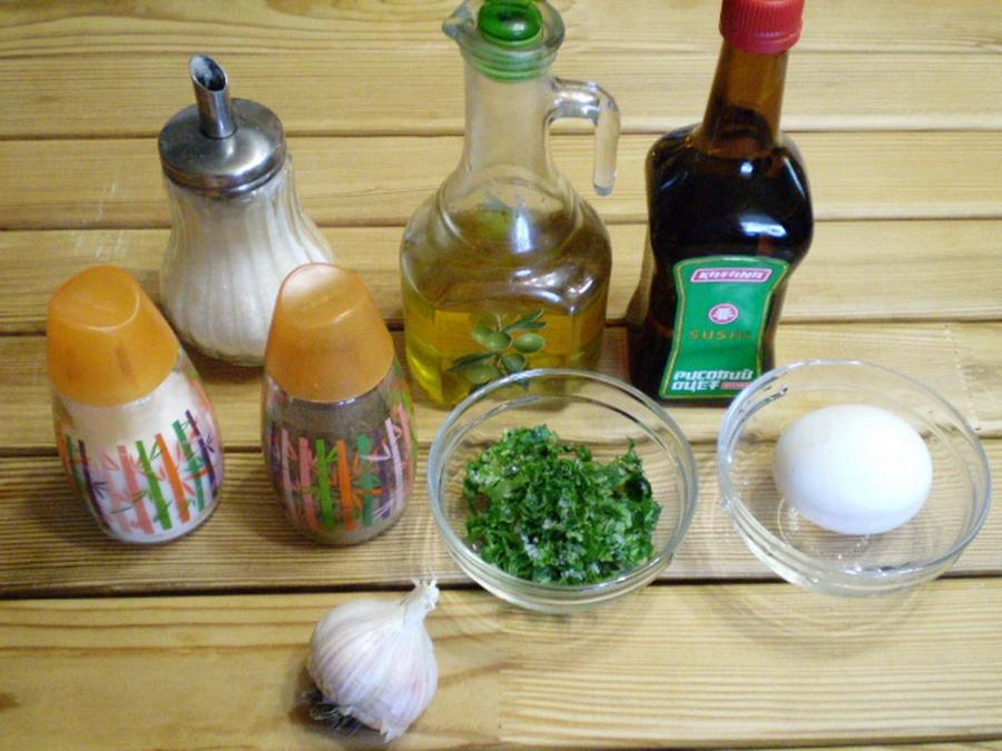 Рецепт Домашний майонез на курином яйце с чесноком и зеленью