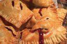 Слоеные пирожки с вишней на пиве