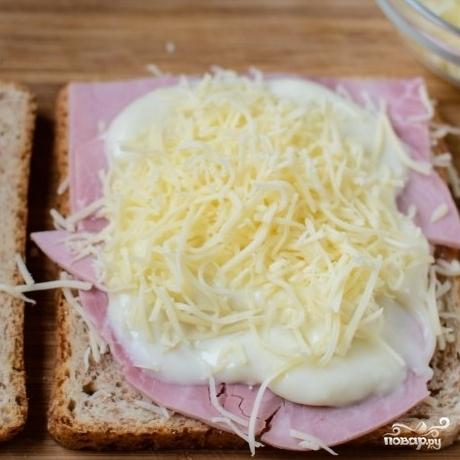 """Французские тосты """"Крок-месье"""" - фото шаг 5"""