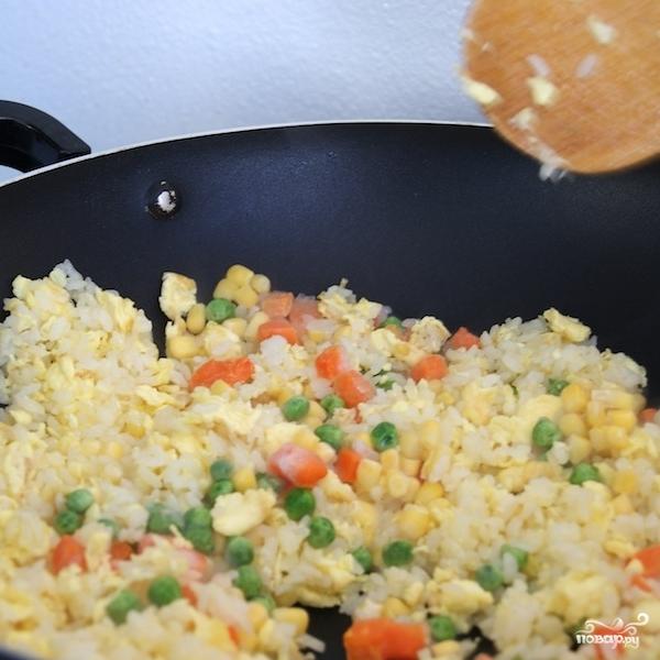 Рис с жареными креветками по-китайски - фото шаг 12