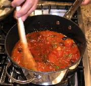 Спагетти с оливками и помидорами - фото шаг 5