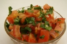 Салат с помидорами и кинзой