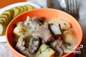 Тушеные свиные ребрышки с картошкой