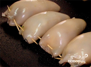 Фаршированные кальмары с грибами и рисом - фото шаг 4