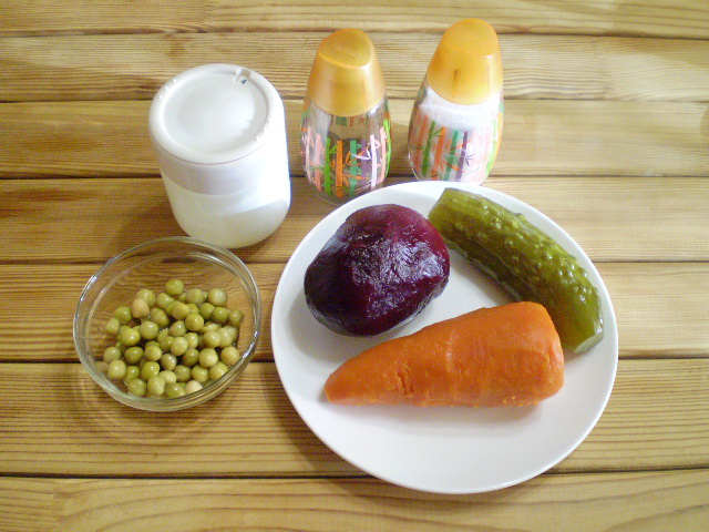 Салат к вареникам - фото шаг 1
