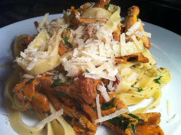 Лисички со спагетти по-итальянски - фото шаг 5