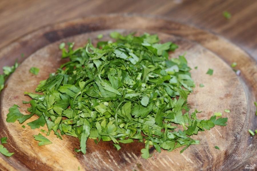 Салат из перловки с помидорами - фото шаг 4