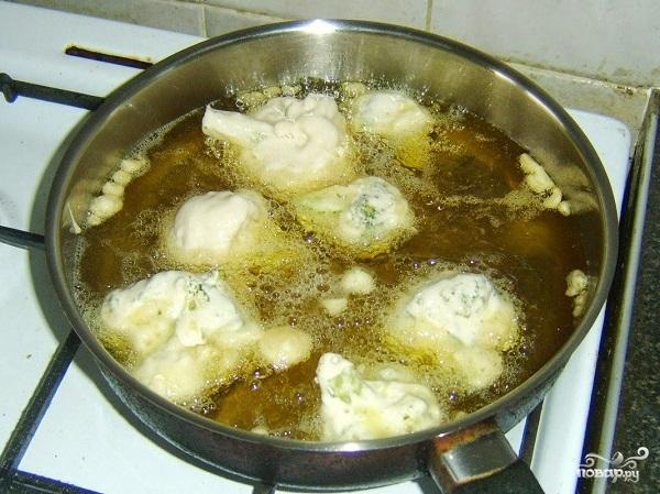 Брокколи в кляре на сковороде - фото шаг 4