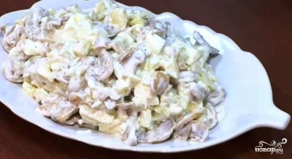 """Рецепт Салат """"Лесная опушка"""" с опятами"""