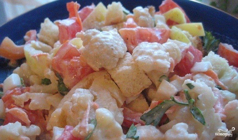 Салат из свежей цветной капусты