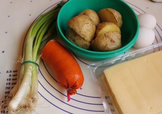 Рецепт Картофельные биточки с сардельками