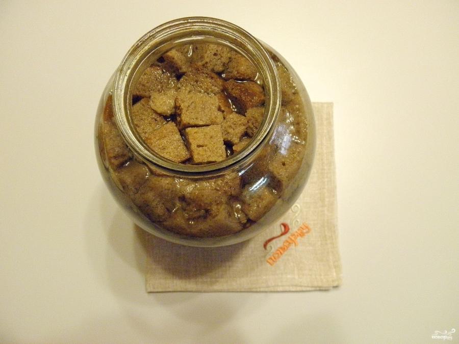 Домашний квас из черного хлеба без дрожжей - фото шаг 9