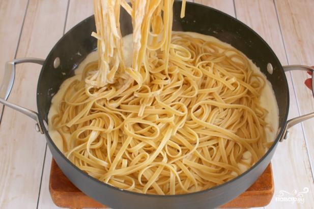 спагетти с курицей в сливочном соусе рецепты с фото