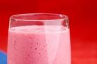 Витаминный напиток из малины и лайма