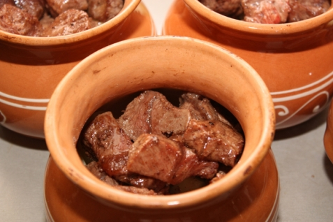 Картофель с говядиной в духовке - фото шаг 4