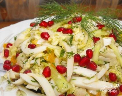 Салат из пекинской капусты с кальмарами - фото шаг 7