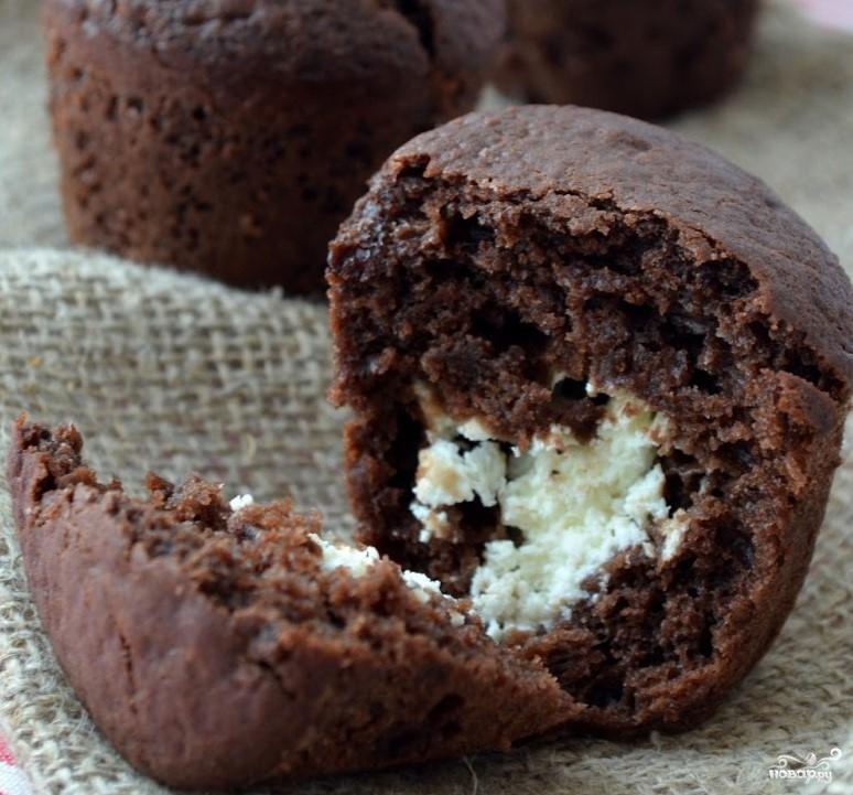 Шоколадные маффины на кефире - фото шаг 4