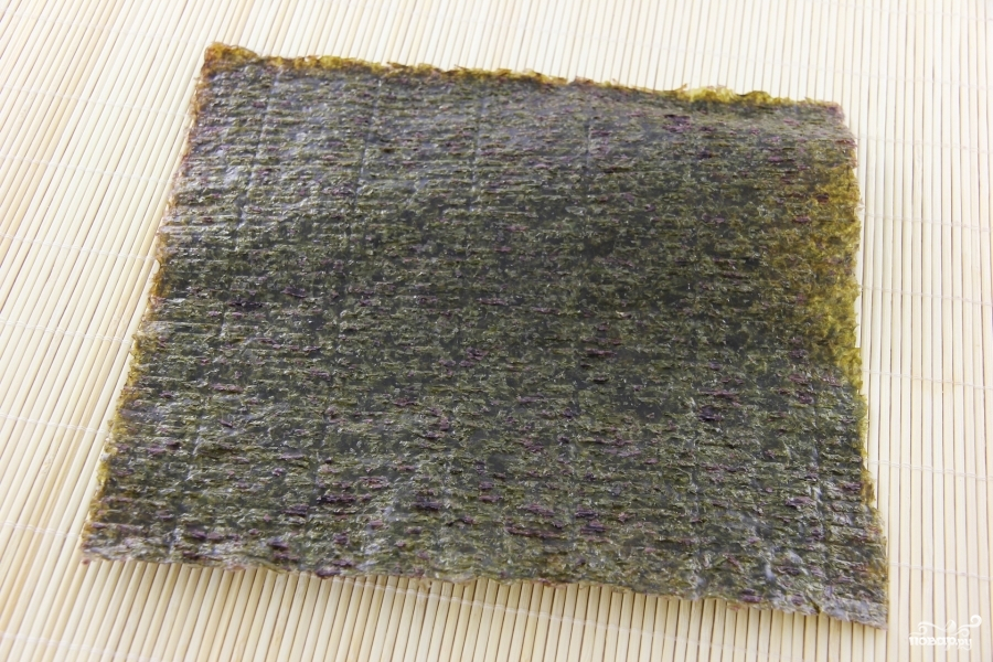Роллы с консервированным тунцом - фото шаг 3