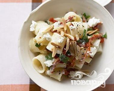 Рецепт Паста с козьим сыром и помидорами