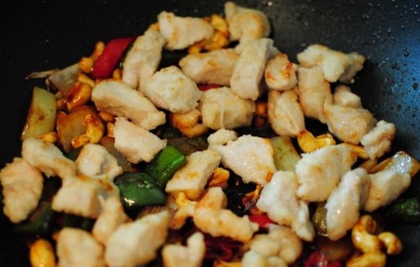 Гречневая лапша с курицей и овощами - фото шаг 3