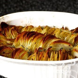 Запеченный картофель с луком и тимьяном - фото шаг 3