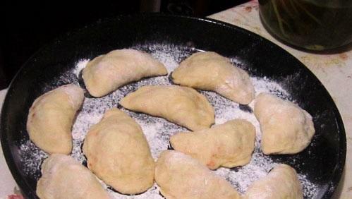 Пирожки с повидлом в духовке - фото шаг 6