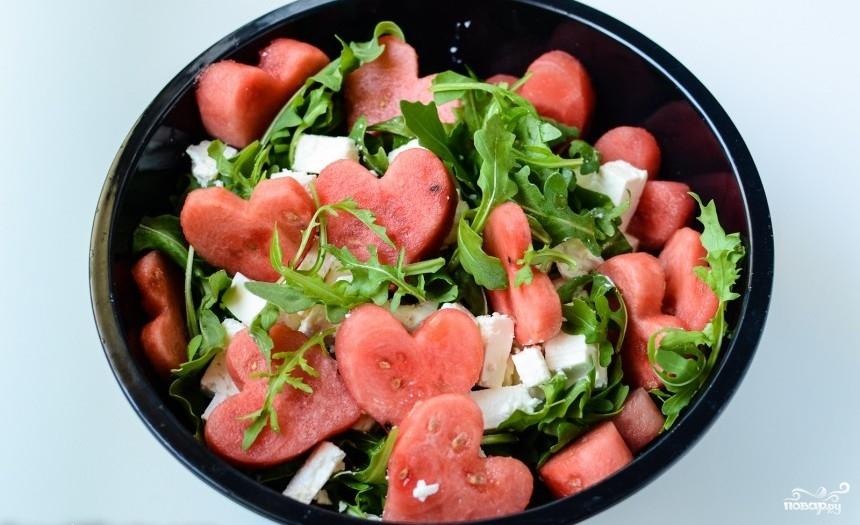 Салат с арбузом и брынзой - фото шаг 3