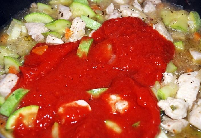 Томатный суп-пюре с курицей - фото шаг 7