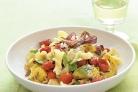 Паста с жареными овощами и базиликом