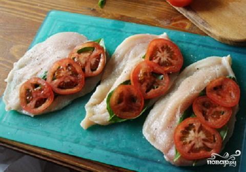 Куриные грудки с томатом и базиликом - фото шаг 3