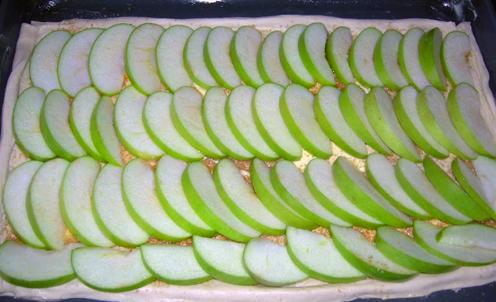 Слоеное дрожжевое тесто с яблоками - фото шаг 3
