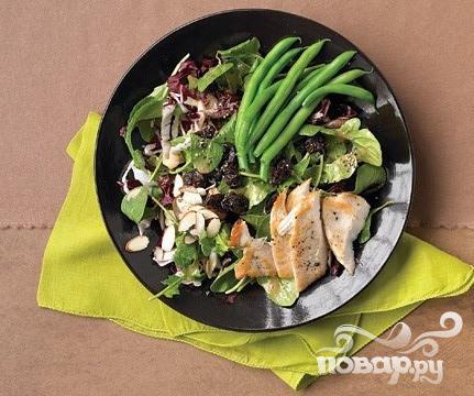 Рецепт Салат с фасолью, миндалем и вишней