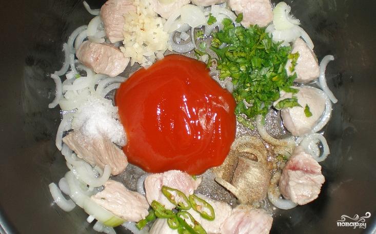 Паста со свининой и моцареллой - фото шаг 2