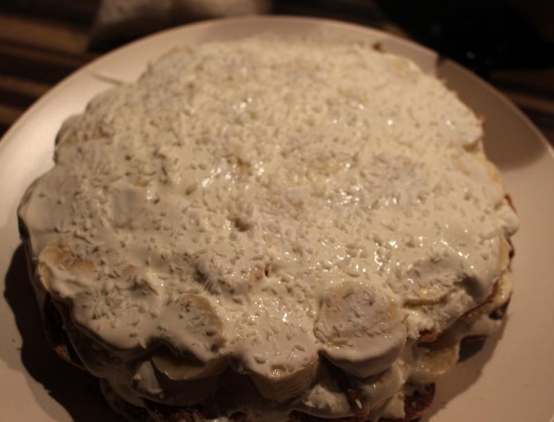 """Торт без выпечки с """"Рафаэлло"""" - фото шаг 9"""