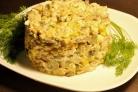 Салат с вешенками, курицей и кукурузой