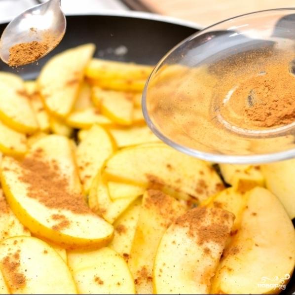 Жареные яблоки - фото шаг 4