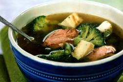 Зеленый суп с яичным суфле