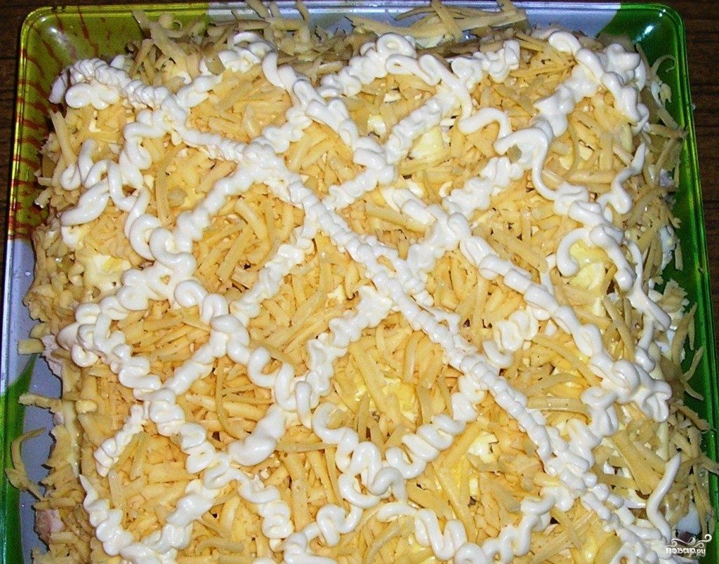 Салат с ананасами и курицей и грибами слоеный рецепт с пошагово