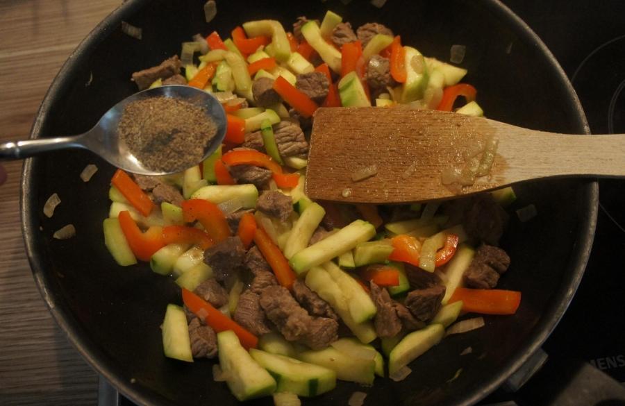 Жаркое с овощами и говядиной - фото шаг 4