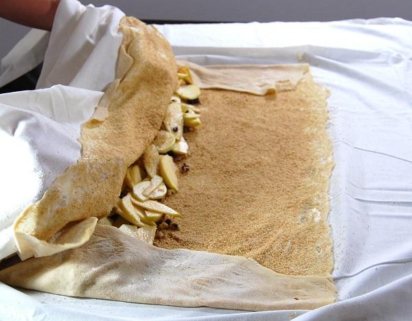 Тесто для штруделя - фото шаг 12